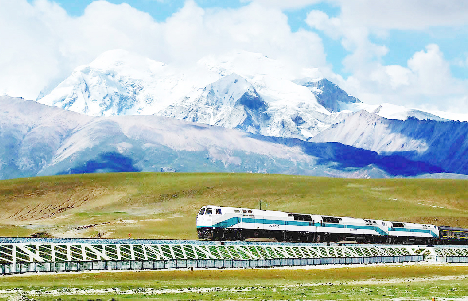rooftop-of-the-world-train